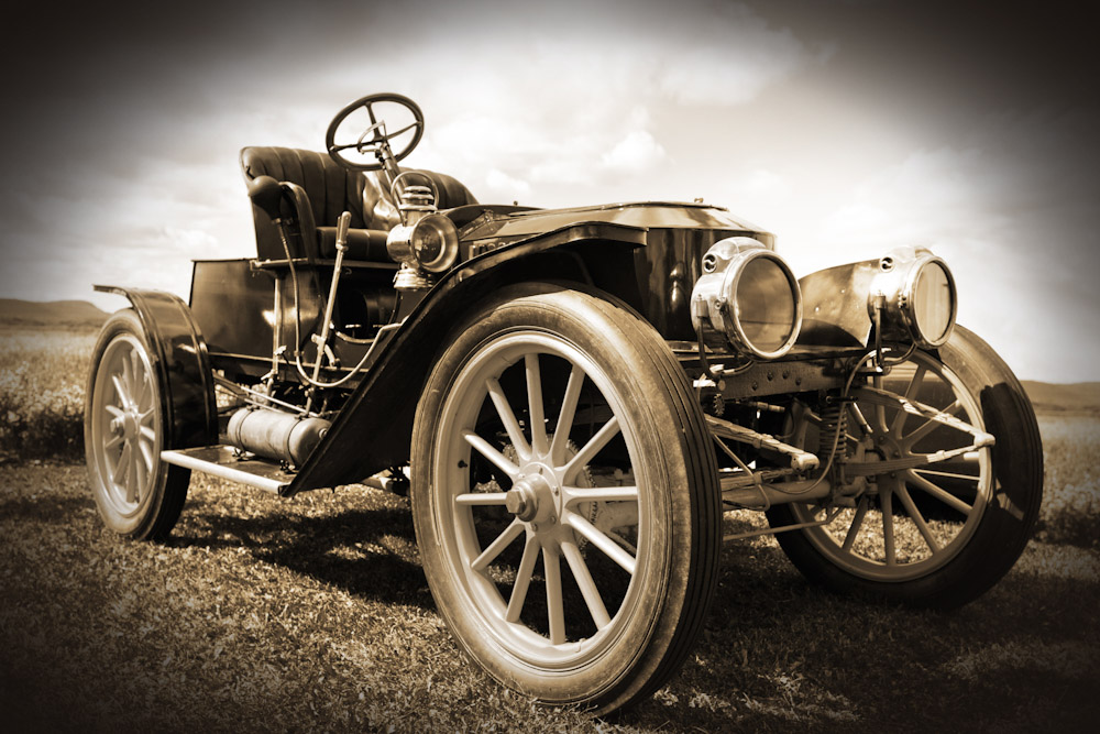 Image of old automobile